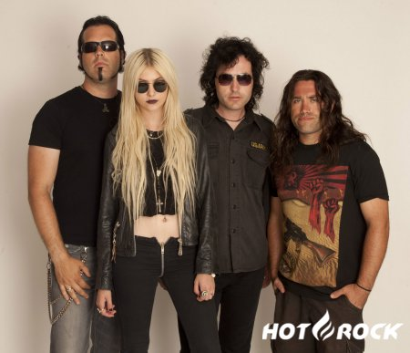 The Pretty Reckless спели песни Oasis и The Beatles